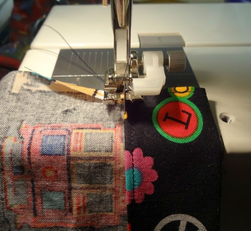 Tutorial: How to make a drawsting bag - sewing casing - DIY - CSews.com