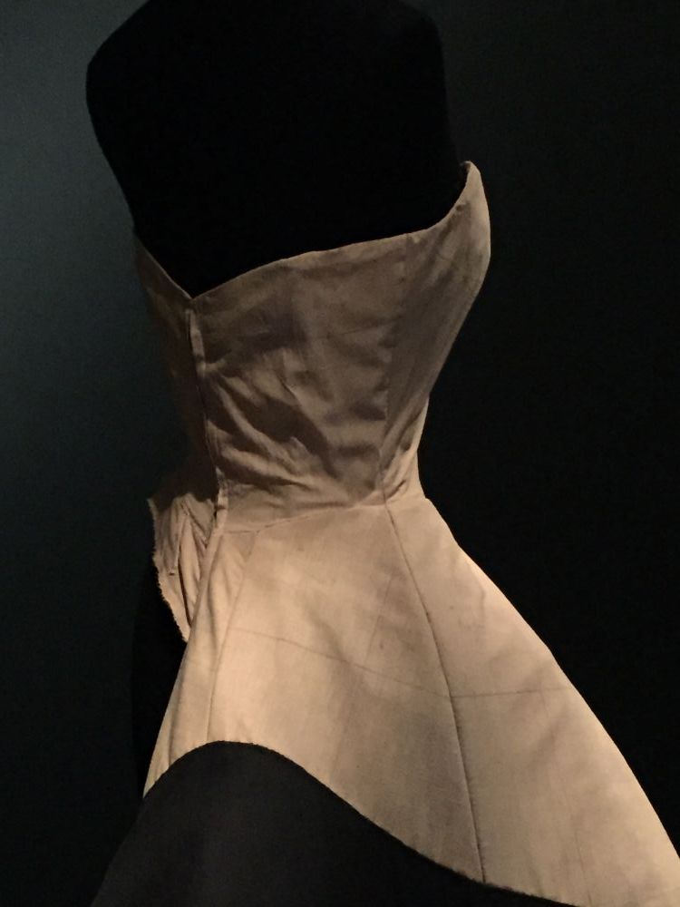 Charles James clover leaf dress muslin detail - Brooklyn Museum Costume Collection - csews.com