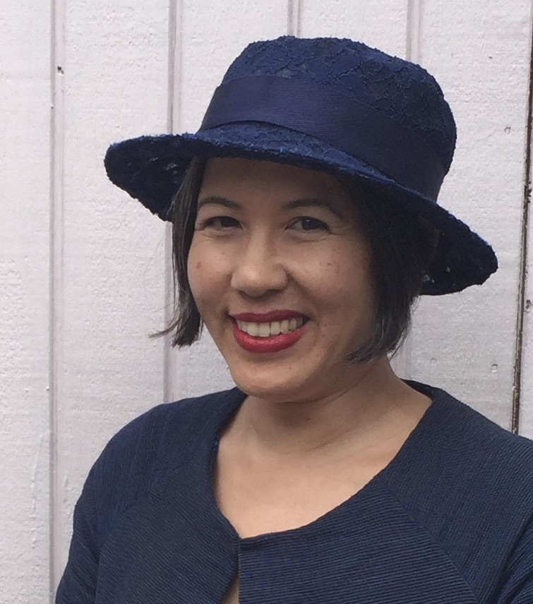 Finished lace hat - Vogue 8891 - V8891 sewing pattern