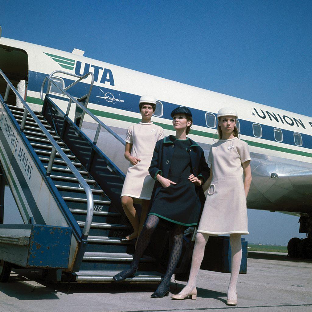 Union de Transport Aériens stewardesses in uniforms by Pierre Cardin 1968 photograph Air France Collection.DR/Air France Museum Collection.