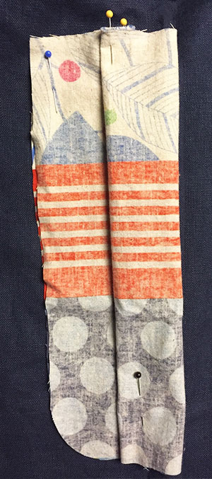 Tutorial - fold pocket in half to use as pattern piece to cut back side of pocket - CSews.com
