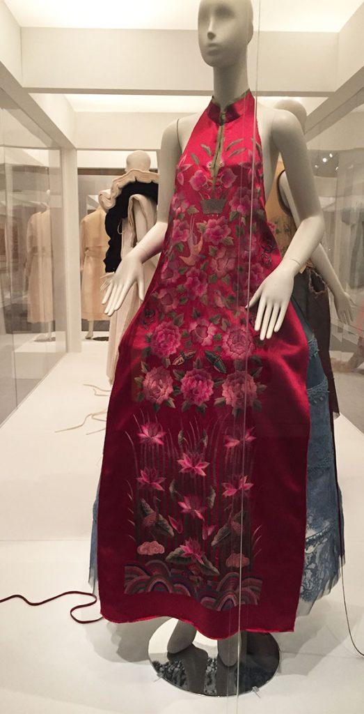 Dress by Jin Teok - Couture Korea, fashion exhibit at the Asian Art Museum - CSews