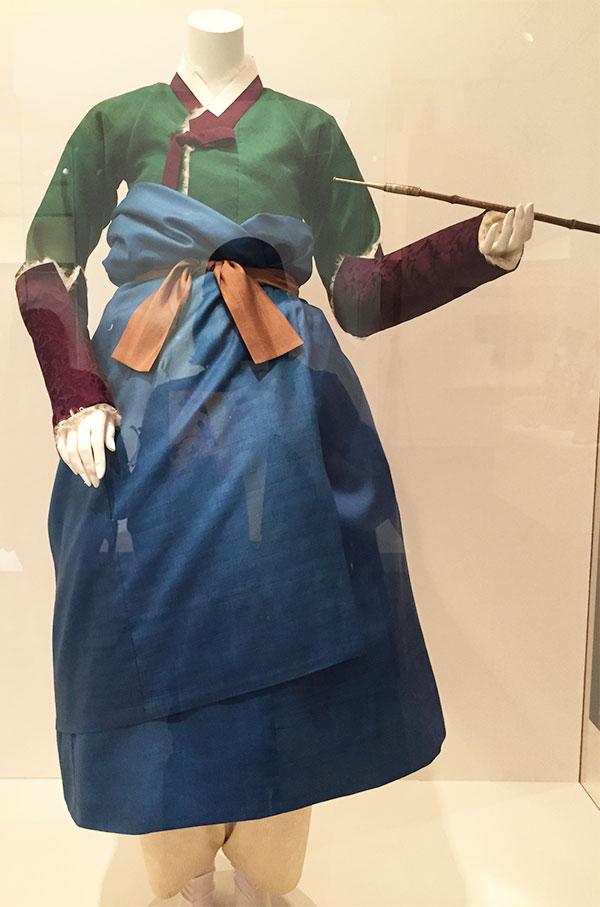 Couture Korea - women's ensemble 1700s - fashion exhibit at the Asian Art Museum