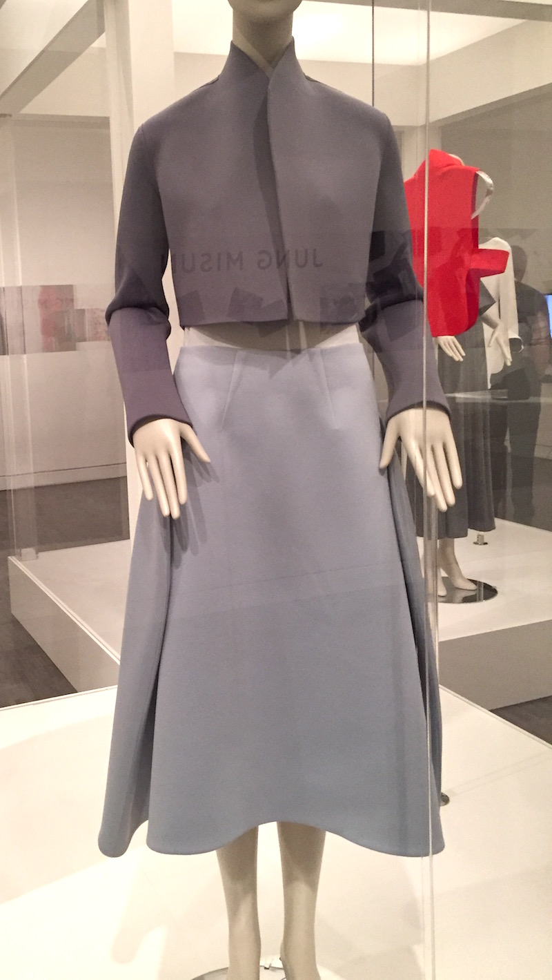 Im Seonoc - Couture Korea exhibit at Asian Art Museum