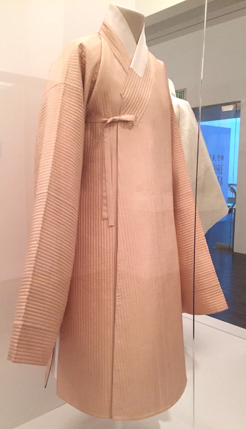 Man's robe with slide slits - reconstruction of garment (late 1600s to early 1700s) - Couture Korea - Asian Art Museum